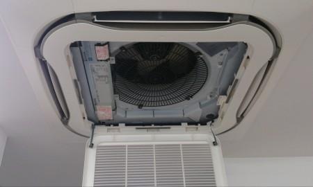 某歯科医院様 天井カセット型エアコンの除菌処理